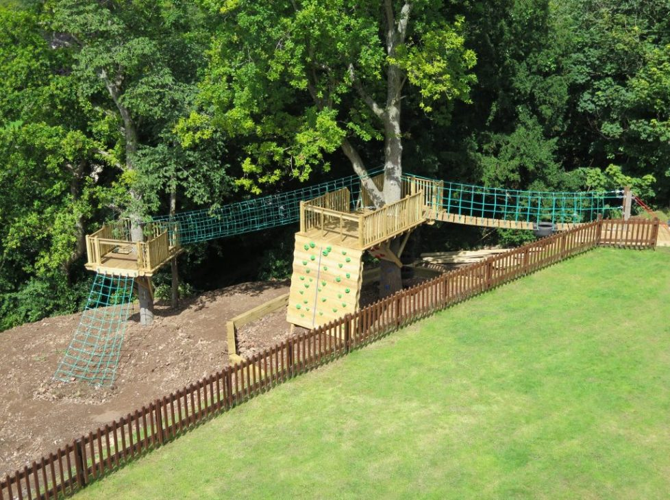 Tree Houses / Garden Projects
